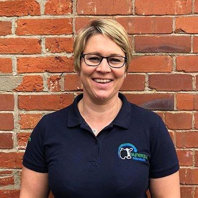 Vicki Coxon : Operations Manager
